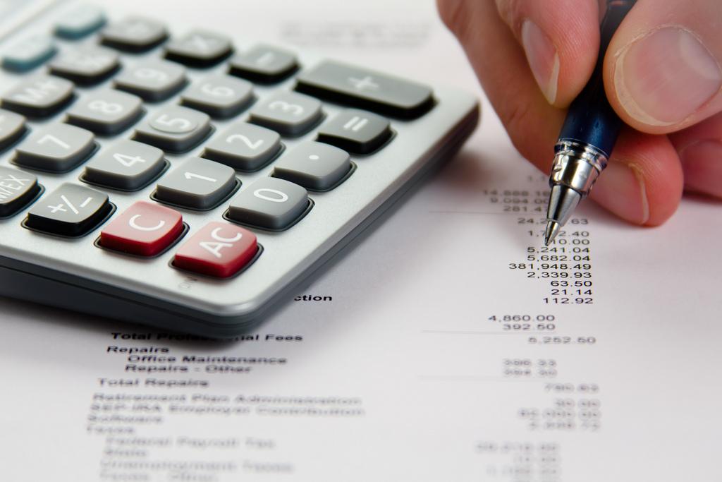 La fiscalitat associativa avui; context, desenvolupament i tributació: impostos directes i impostos indirectes.