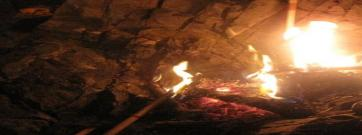 La Flama del Canigó es reinventa al Poble-Sec