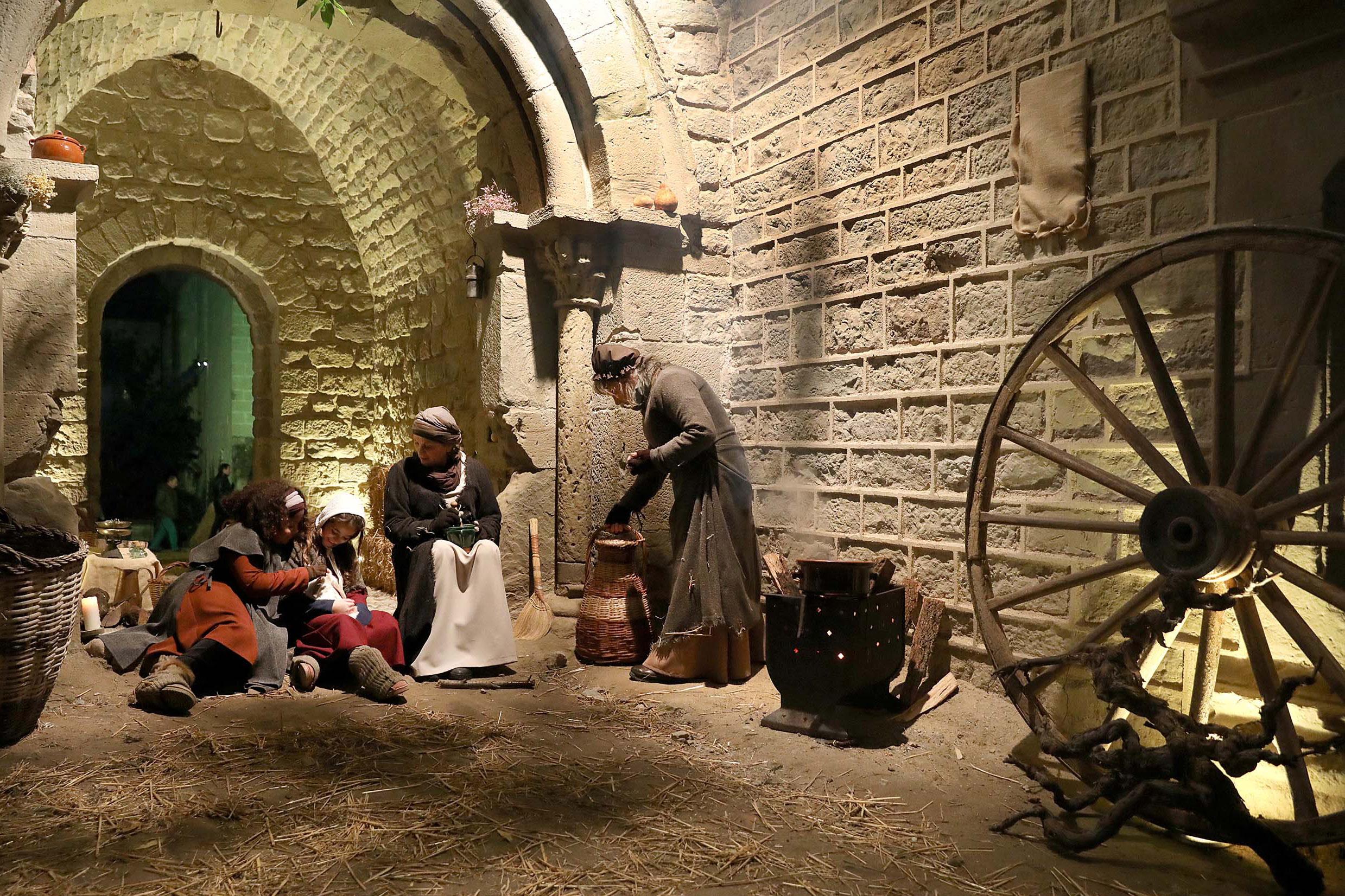 El pessebre vivent del Món Sant Benet és l'únic que es realitza dins d'un monestir.