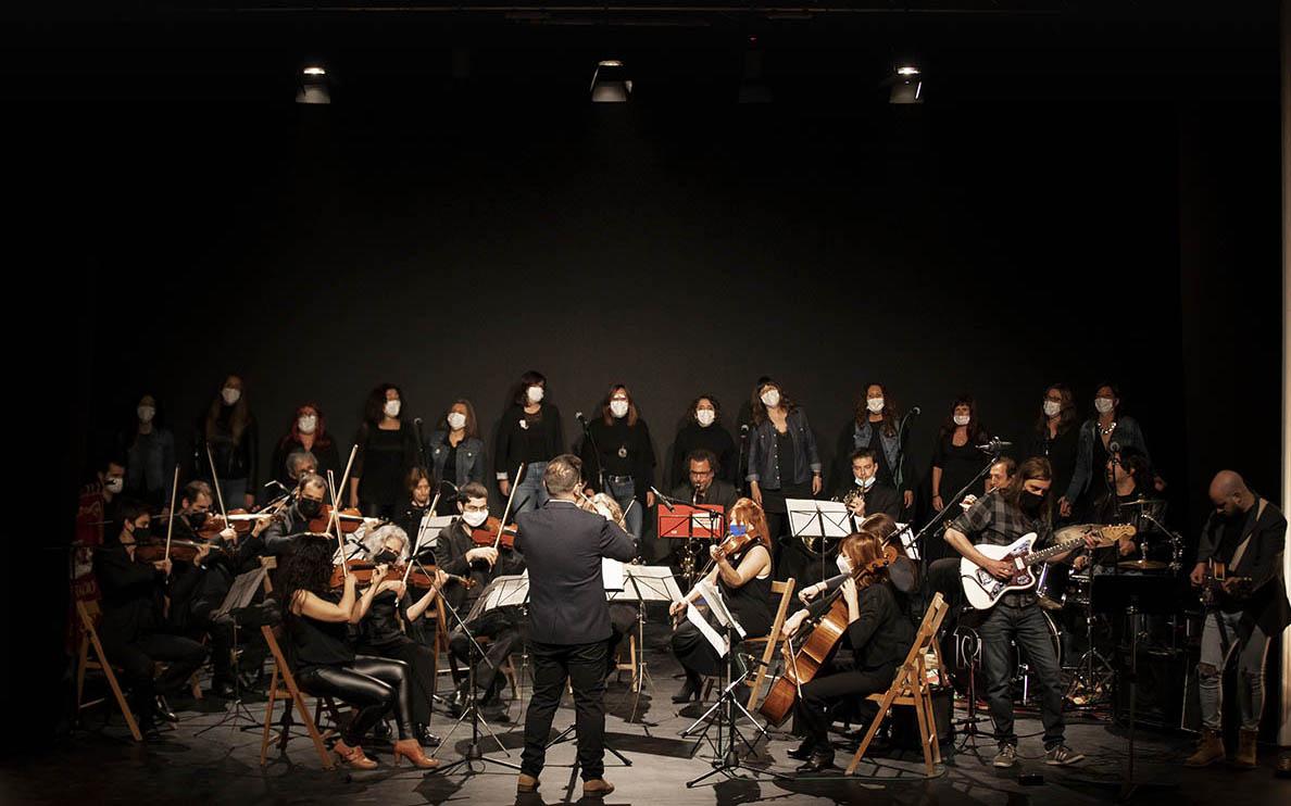 Hi participen el Cor de Noies Àurea Rosa Clavé - Espiga XXI, la Simfònica Camerata de Gràcia i la Banda Municipal de Rock de Montesquiu