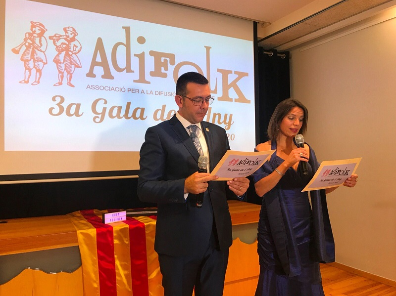 Els presentadors de la III Gala de l'Any d'Adifolk