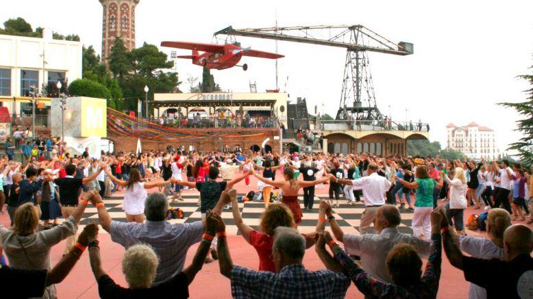 Una trentena d'aplecs i ballades per tot Catalunya celebraran aquest diumenge el Dia Universal de la Sardana