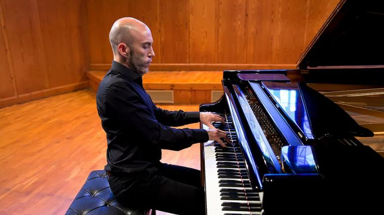 El pianista Kiev Portella serà un dels protagonistes del Concert de solistes a la Lira Ampostina