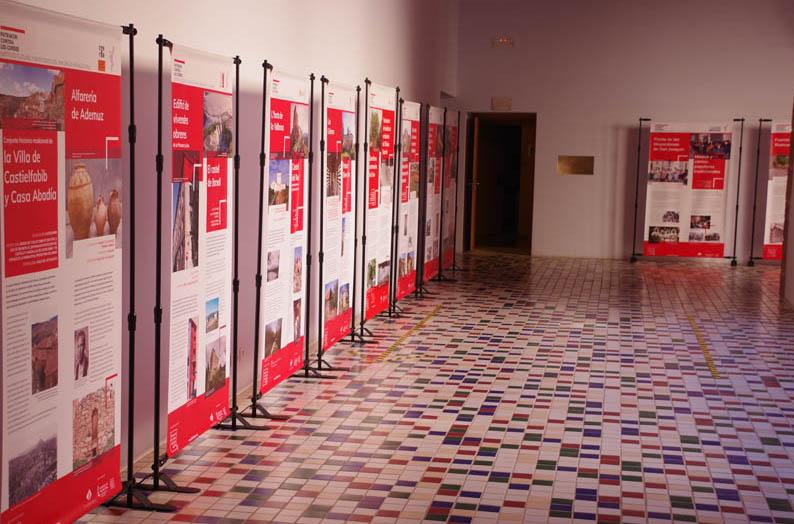L'exposició 'Patrimoni contra les cordes' es podrà visitar fins al 18 de maig al Campus Terres de l'Ebre de la URV