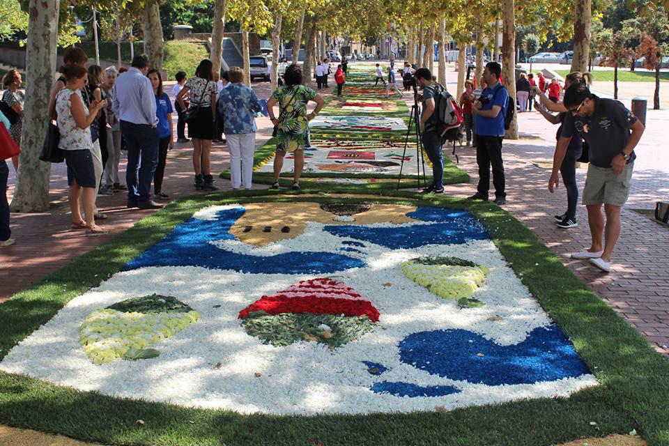 Santa Coloma de Gramenet s'omple d'art floral
