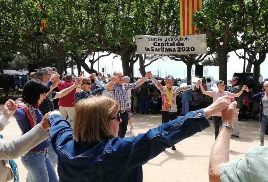 Ballada de sardanes a Sant Feliu de Guíxols, al maig de 2019